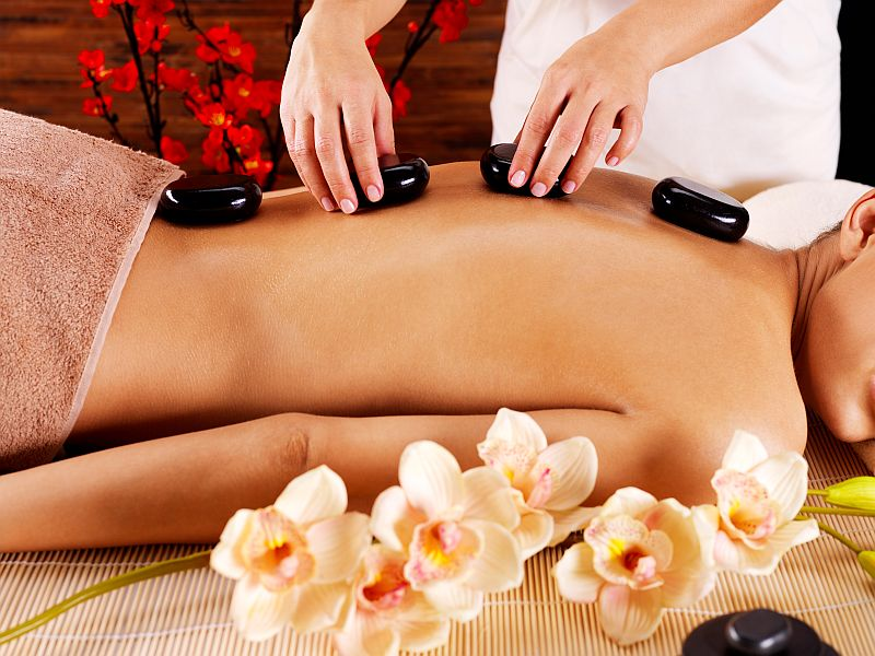 Wellness Wärmende Massage Hot Stone